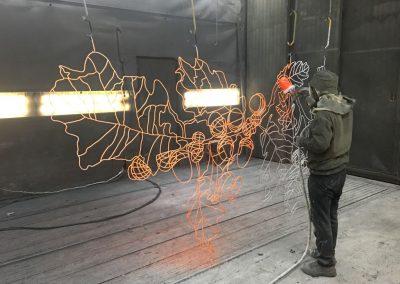 Natlakken kunstwerk oranje Petra Hart