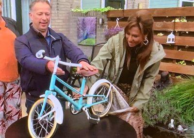 Stralen en coaten van oude fiets door Strabeko